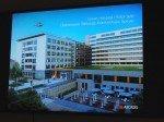 Abendstimmung mit Content aus einer Unternehmenspräsentation: Arcadis-Projekt für ein Krankenhaus in Speyer (Foto: invidis.de)