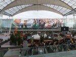 Flughafen MUC - Westfassade für ein Dankeschön genutzt (Foto: Initiative Airport Media)