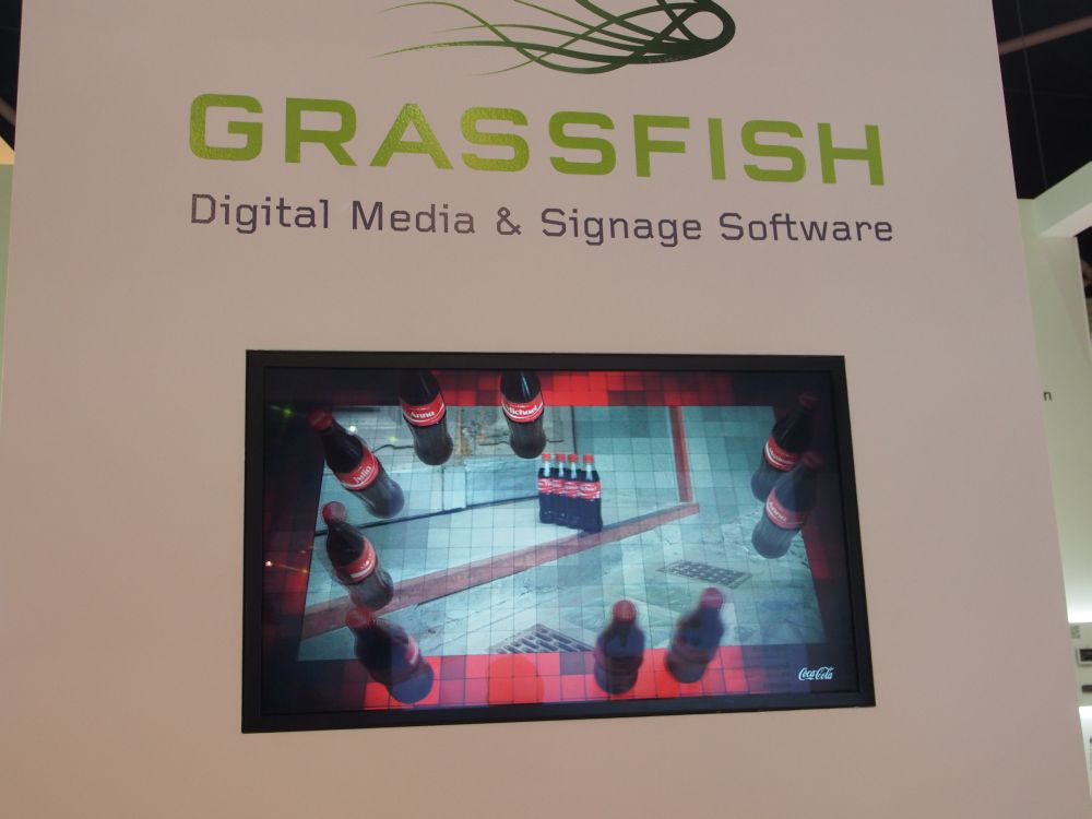 Bei Grassfish zeigt United Entertain seinen Ultra HD 3D mit Werbe-Content von Coke und Budweiser (Foto: TK/ invidis.de)