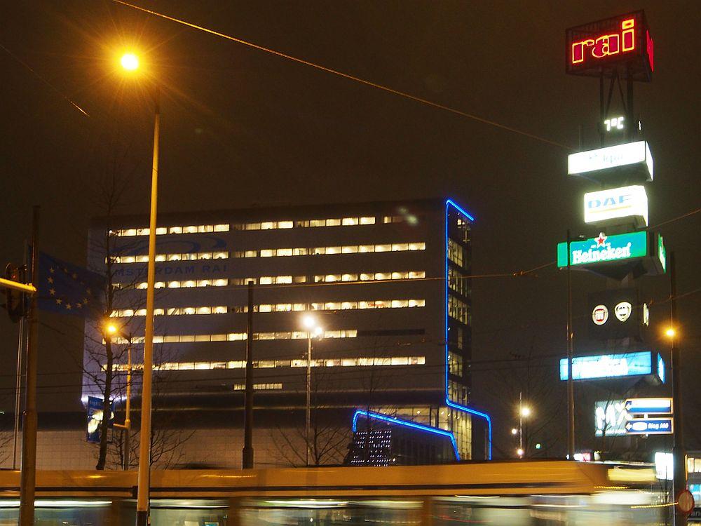 ISE 2014 - das Messezentrum RAI am Abend des zweiten Messetags (Foto: TK/ invidis.de)