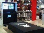 """Für Kunden von """"Leder und Schuh"""" erleichtert der Humanic Avatar den Einkauf (Foto: Online Software AG)"""