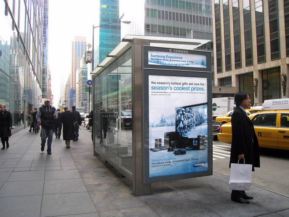 FCC verkauft CEMUSA an JCDecaux - Bushaltestelle mit CLP (foto: CEMUSA)