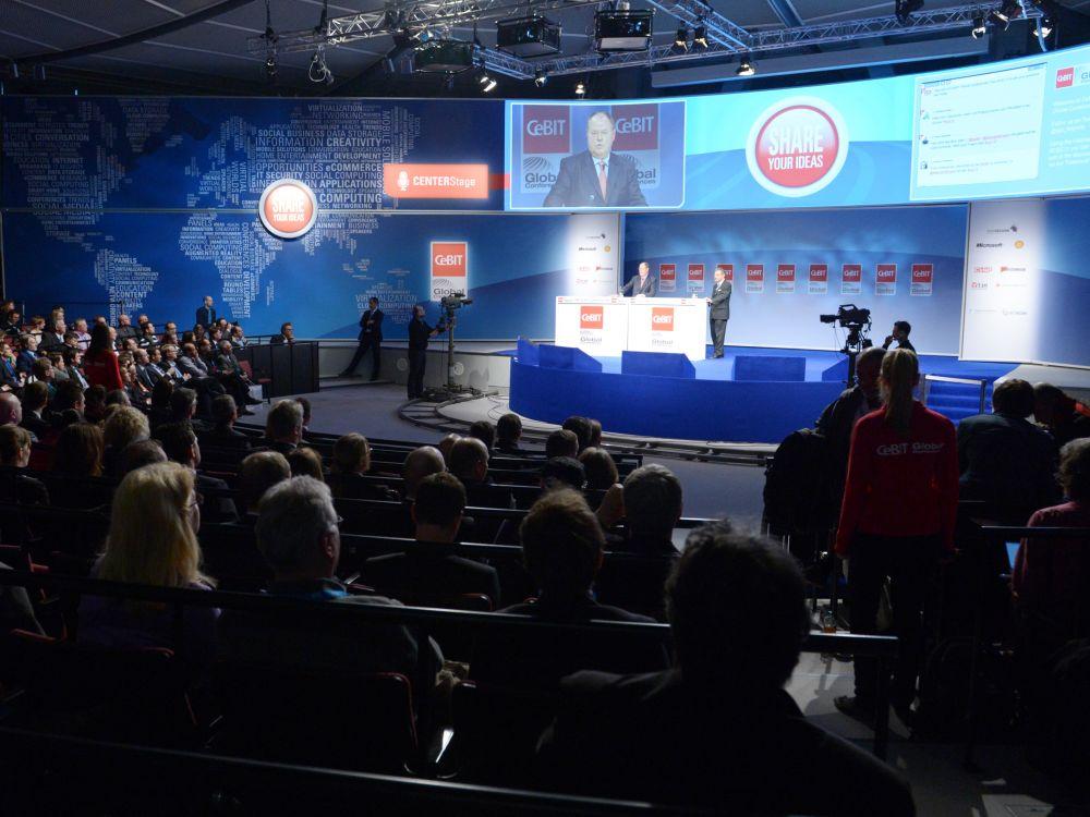 SPD-Kanzler-Kandidat Peer Steinbrück und BITKOM-Präsident Prof. Dieter Kempf bei den CeBIT Global Conferences 2013 (Foto: CeBIT/ Deutsche Messe AG)