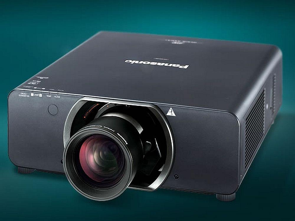 3-Chip DLP-Projektoren wie der PT-DS12K sollen den Rentalbereich erobern (Foto: Panasonic)