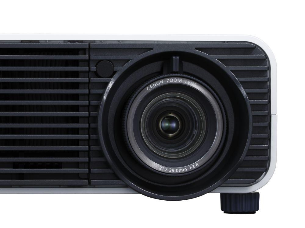 Projektoren-Linse eines Canon XEED WUX450 (Foto: Canon)