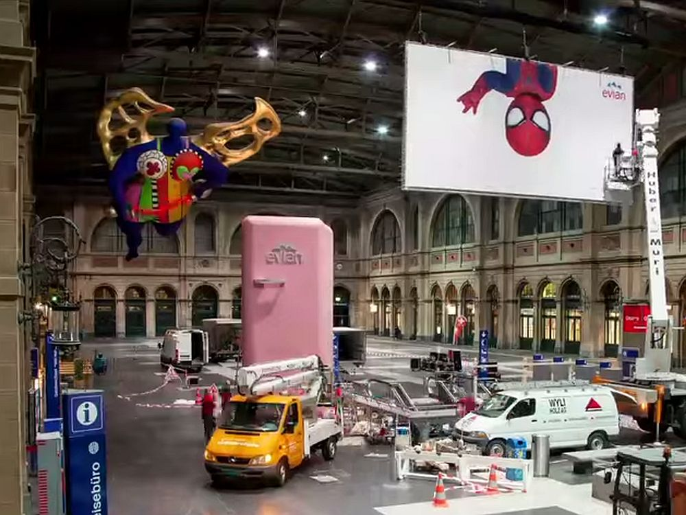Kühlschrank für Spiderman am Hauptbahnof Zürich (Screenshot: invidis.de)