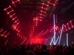 Techno-Tunnel in Rot: 15.000 Fans kamen zum 20. Time Warp (Foto: Pierre Johne/ Screen Visions)