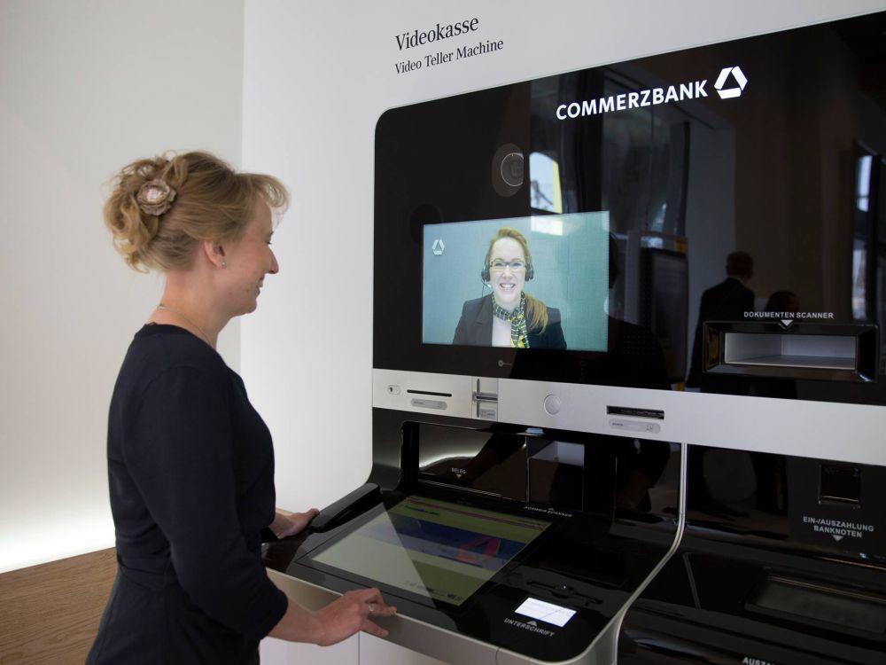 Deutschlands erste Videokasse (Foto: Commerzbank)