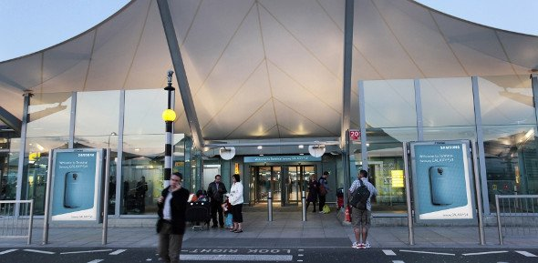 Samsung and JC Decaux rebrands Heathrow T5 (Photo: JC Decaux)