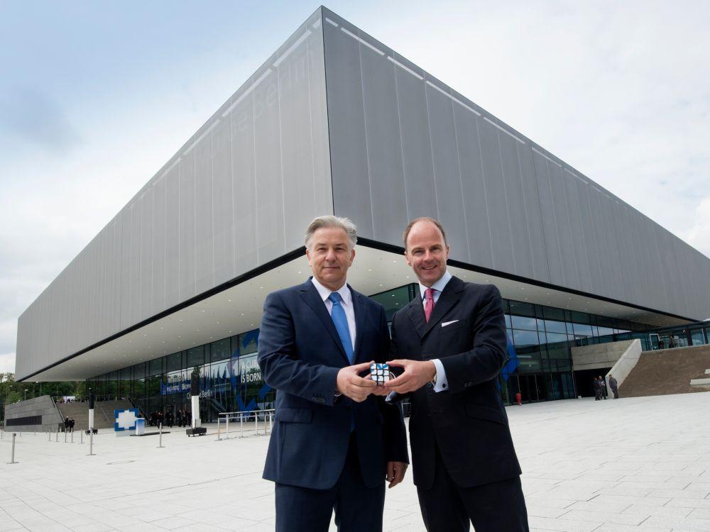 Eröffnung CityCube Berlin: Klaus Wowereit, Regierender Bürgermeister von Berlin (l.), und Dr. Christian Göke, Vorsitzender der Geschäftsführung der Messe Berlin (r.) (Foto: Messe Berlin)