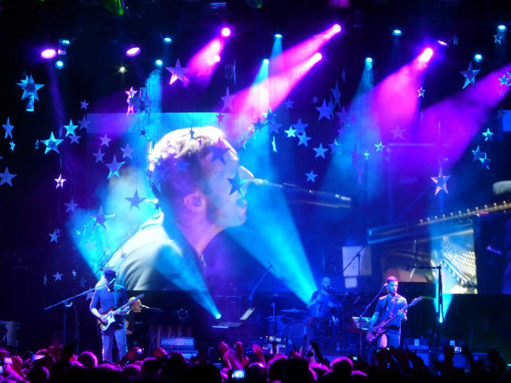 Coldplay-Auftritt im Kölner E-Werk vor der installierten LED-Videowall (Foto: Screen Visions)