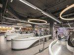 Kassenzonen des neuen Supermarkts (Foto: Zumtobel)