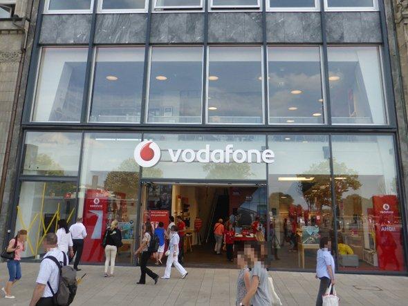 Vodafone Flagship-Store in Hamburg mit 90 Displays