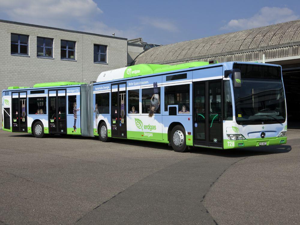 BVB-Bus mit Werbung für Gasverbund (Foto: Basler Verkehrs-Betriebe)