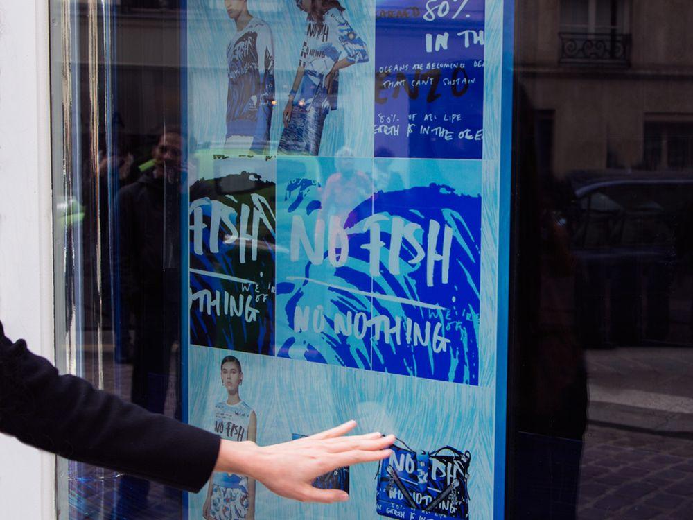 Interaktion für die gute Sache: interaktives Display im Schaufenster (Foto: Kenzo)