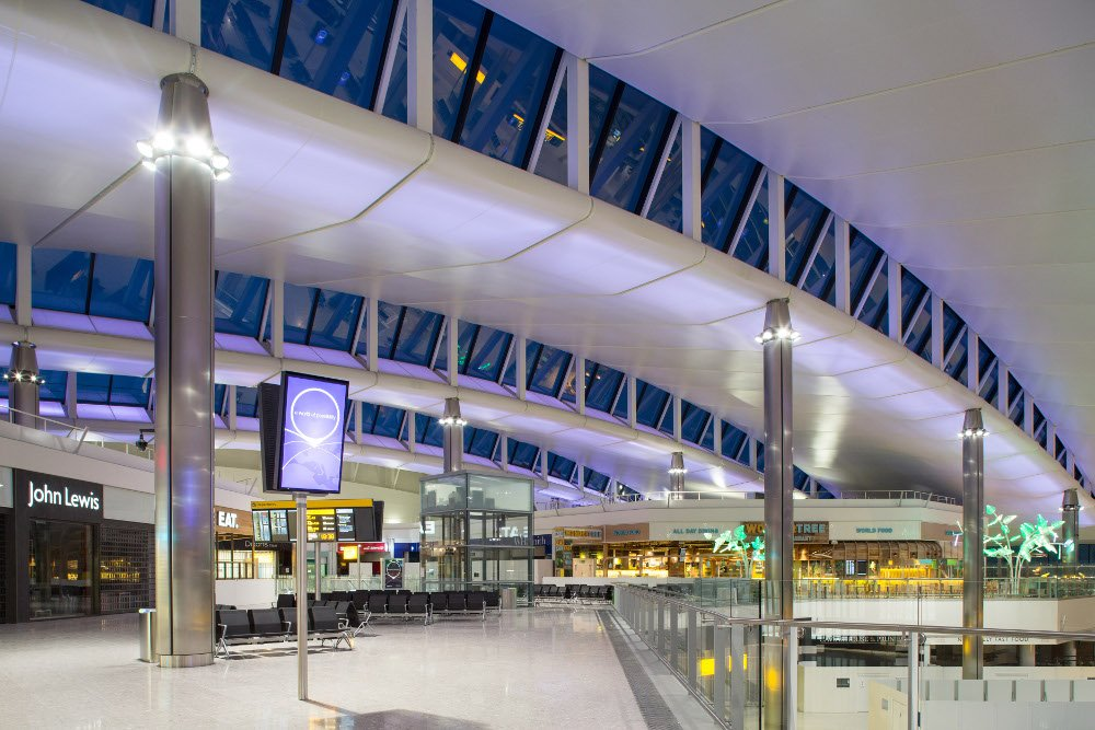 Digital Signage in London (Photo: Heathrow Airports Limited)