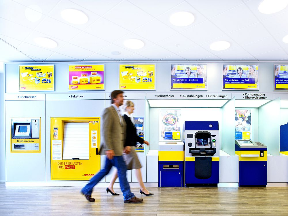 Postbank-Filiale: künftig mit Tablets, Screens und Coffee Tower (Foto: Postbank)