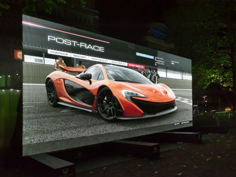 Signage Sunday: Endlich wieder der teuerste TV – 370″ Titan Screen ...