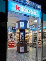 """""""k kiosk"""" HBF Bern: Eingangsbereich von außen (Foto: Valora Group)"""
