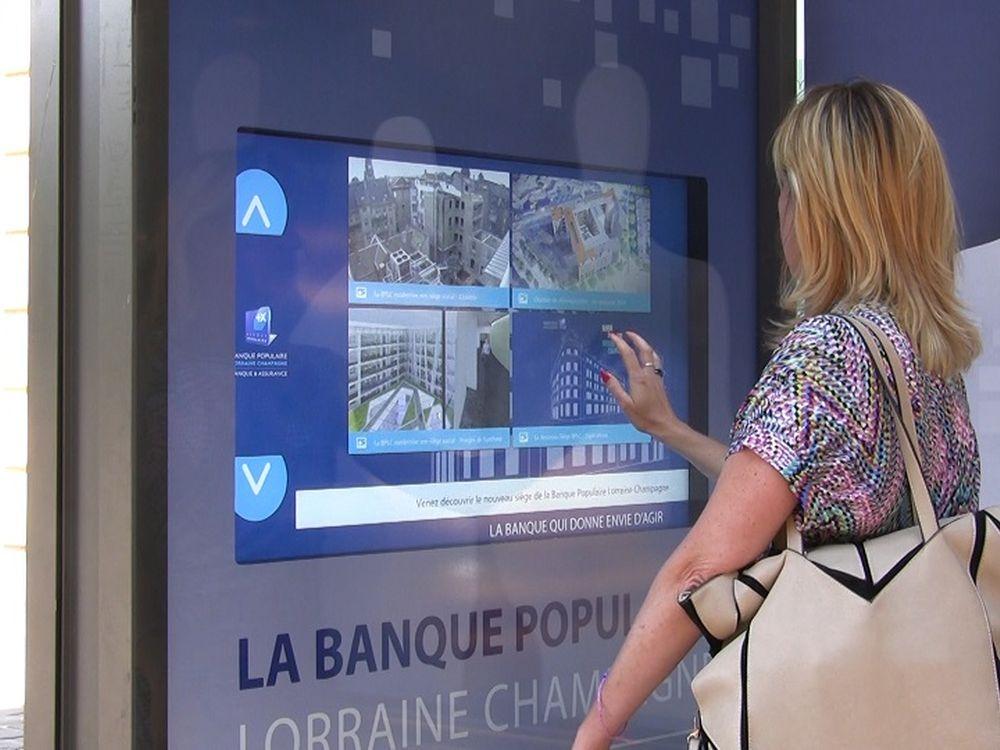 AIRxTouch an einer JCDecaux-Bushaltestelle in Metz (Foto: Inui)