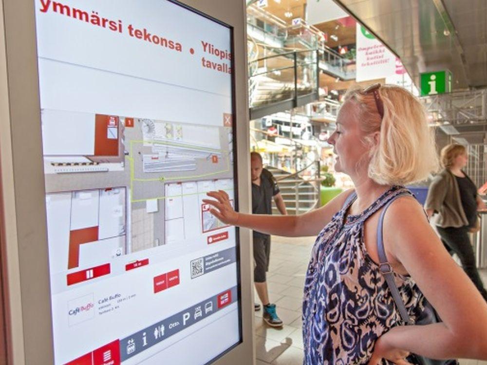 """Wayfinding in der Mall """"Sello"""": mehrsprachig und mobil (Foto: eKiosk)"""