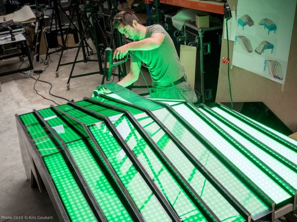 Fisheye-Piano: Montage und Reissbrett (Foto: Kris Goubert)