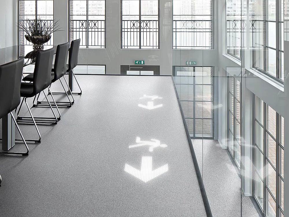 Ein Konferenzraum mit Luminous Carpet (Foto: Philips/ Desso)