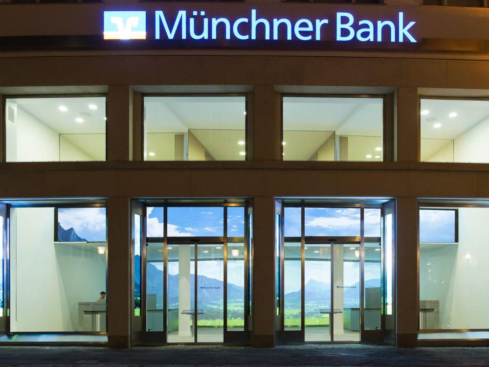Fassade der Geschäftsstelle am Frauenplatz (Foto: Münchner Bank)