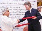 Vertragsabschluss: OAMC-Chairman Dr. Juma bin Ali Al Juma und Jean Charles Decaux, Chairman JCDecaux (Foto: OAMC)