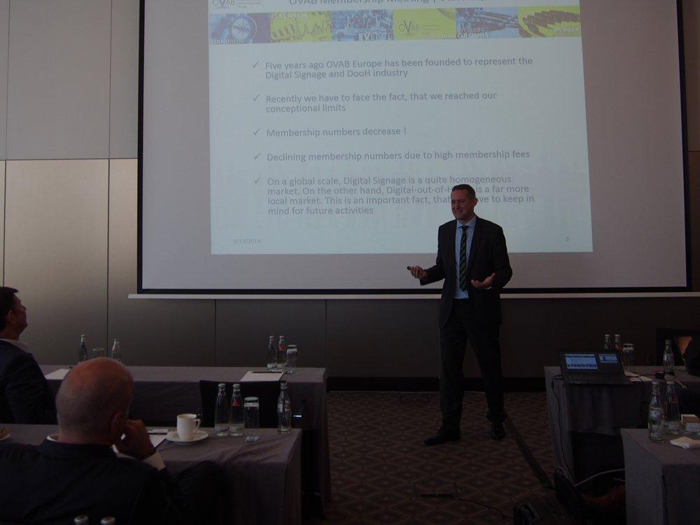 Offizielle Eröffnung der 8. OVAB Digital Signage Conference Munich (Bild: invidis)