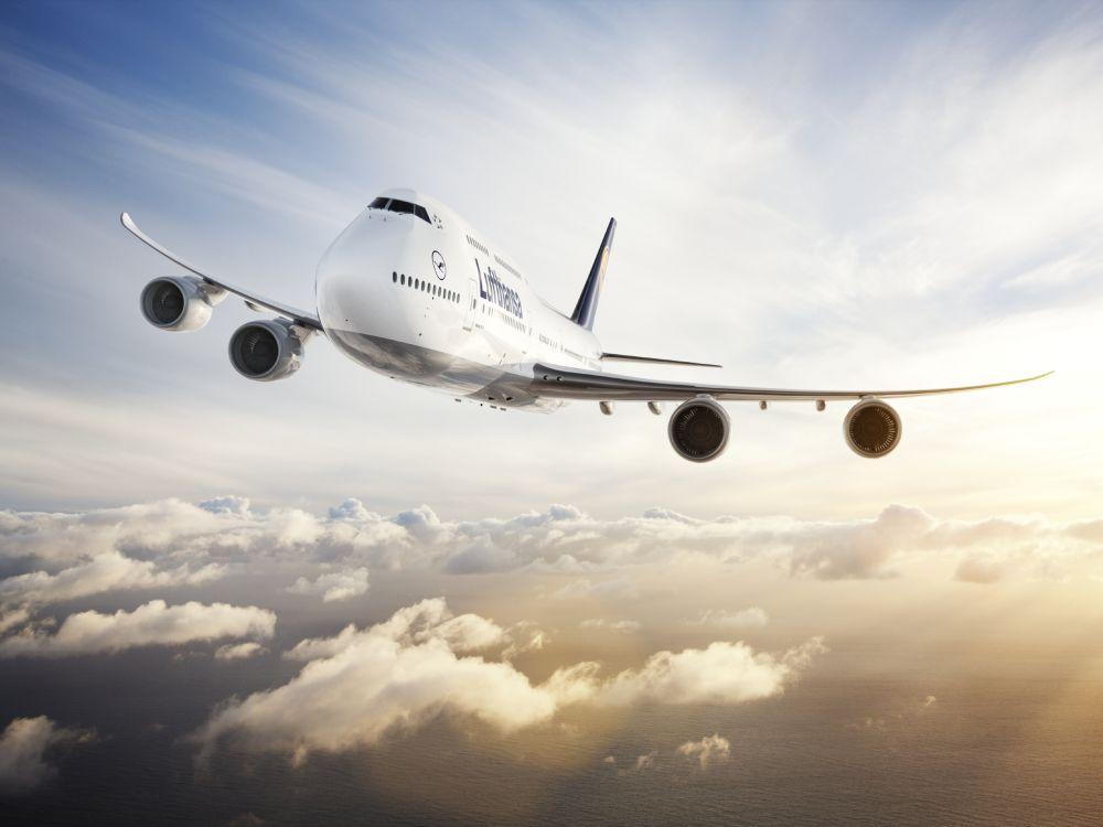 LÜber den Wolken: Lufthansa-Jet Boeing 747-8 (Foto: Jens Görlich)