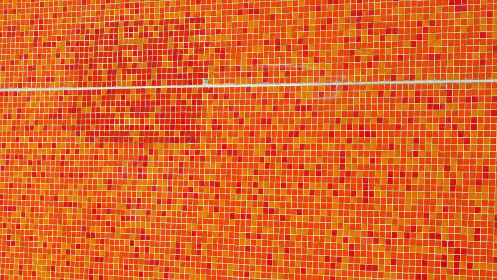 Mehr Farbe wagen. Mosaik auf dem Berliner Messegelände (Foto: invidis.de)