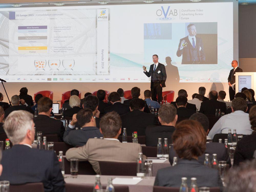 Bildergalerie zu den Vorträgen und Panles der 8. OVAB Digital Signage Conference Munich (Bild: Anna Olivia Weimer)