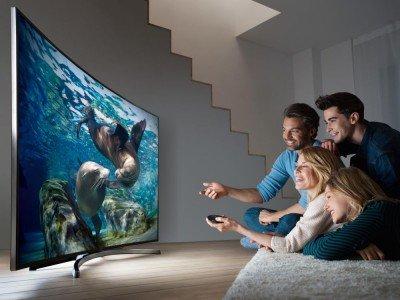 Rund drei Viertel der Deutschen schauen täglich gemeinsam fern (Foto: Samsung)