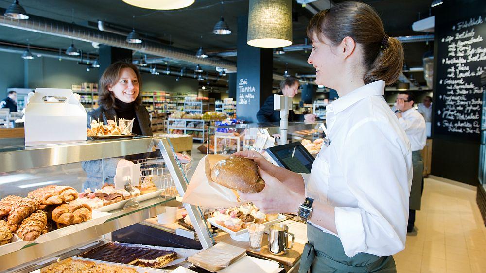 """""""Supermarkt als sozialer Treffpunkt"""": Temma-Markt (Foto: Rewe-Gruppe)"""