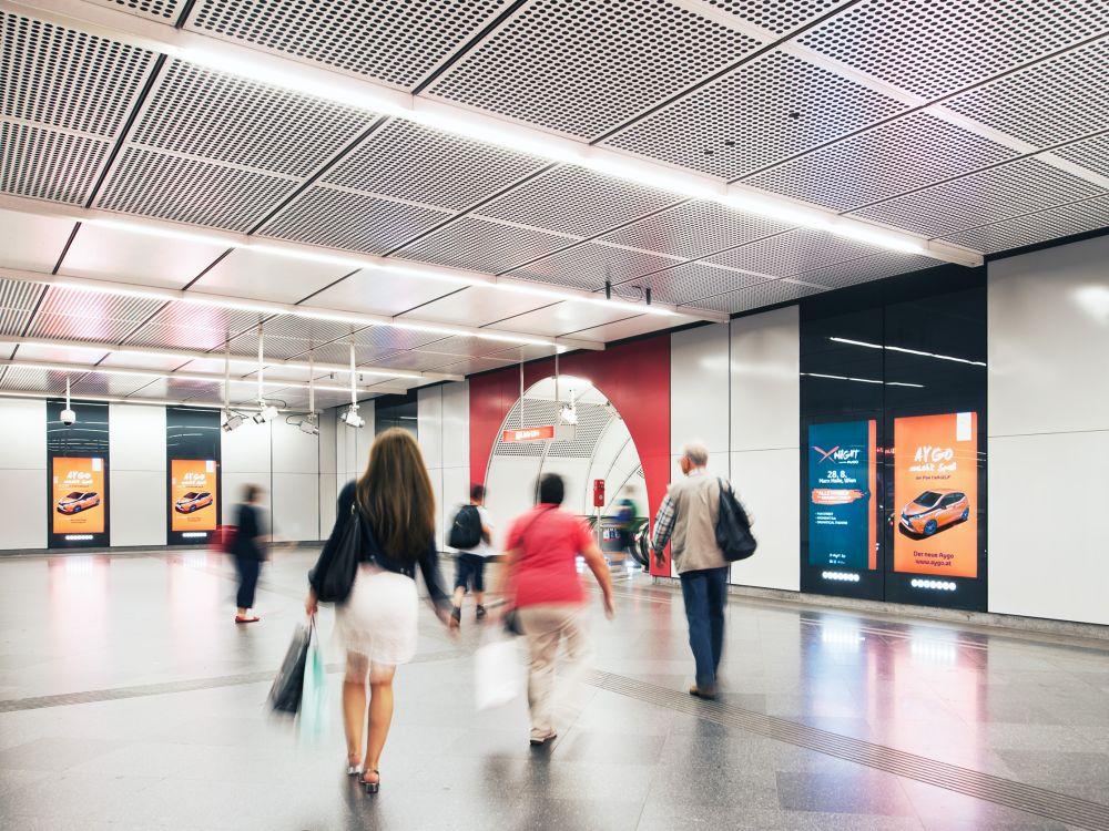 Aktuelle Toyota-Kampagne auf 80-Zöllern am Stephansplatz (Foto: Gewista)