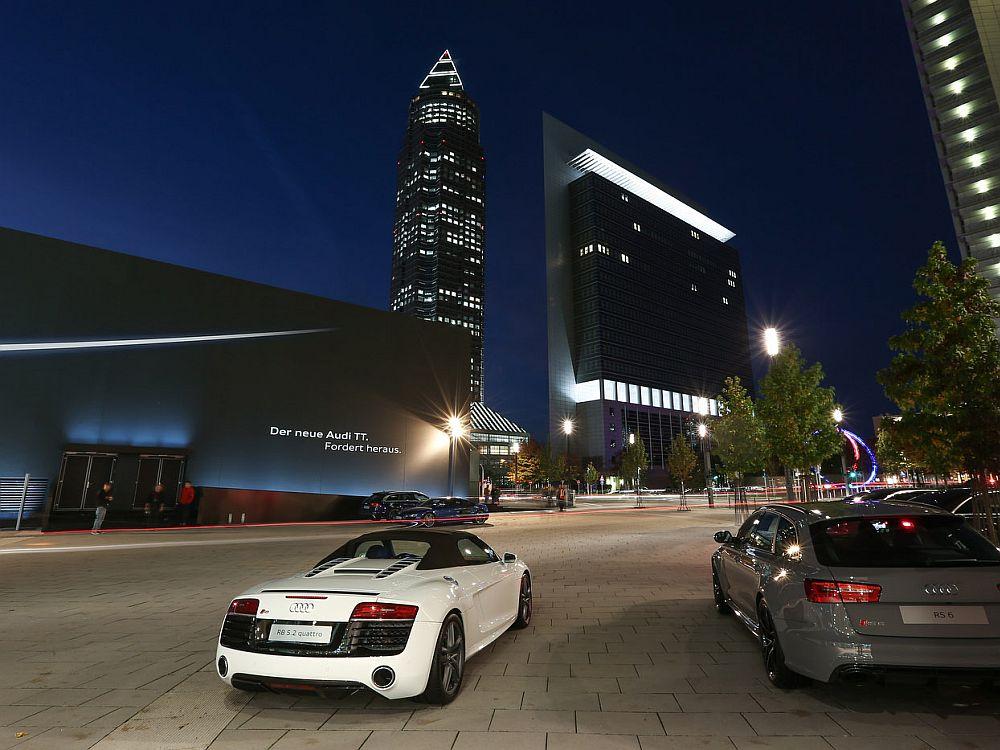 Audi TT Pop Up am Abend (Foto: Audi/Stefan Bösl)