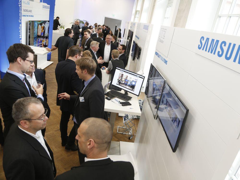 Ausstellungsbereich beim Samsung Smart Signage Day 2014 (Foto: Samsung)