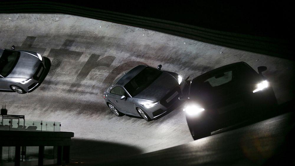"""Drei Audi TT auf der """"Carrerabahn für Erwachsene"""" (Foto: Audi/Stefan Bösl)"""