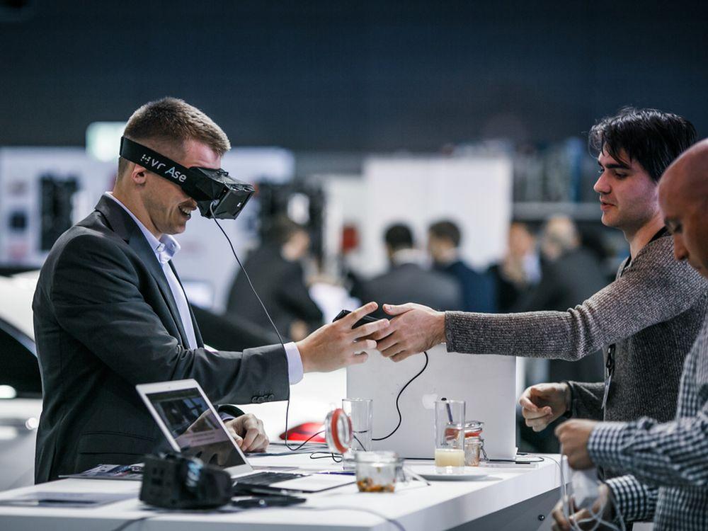 InsideAR2014: Experimeentieren mit der Google Glass wird natürlich möglich sein (Foto: Metaio)
