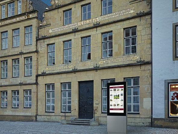 Installation für das Bankhaus Lampe (Foto: ST Vitrinen)