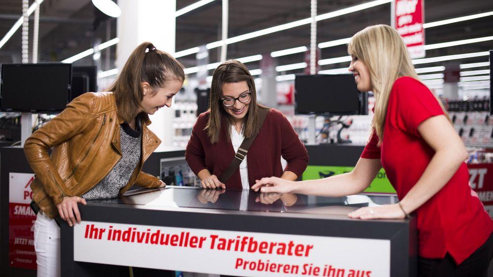 Keine Berührungsängste: Touchtisch im Multichanne-Markt in Ingolstadt (Foto: MSH)