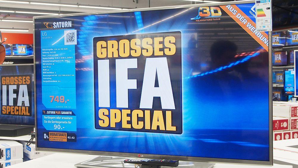 Mit ohne Preisaufkleber: Fernseher in der TV-Abteilung (Foto: invidis.de)