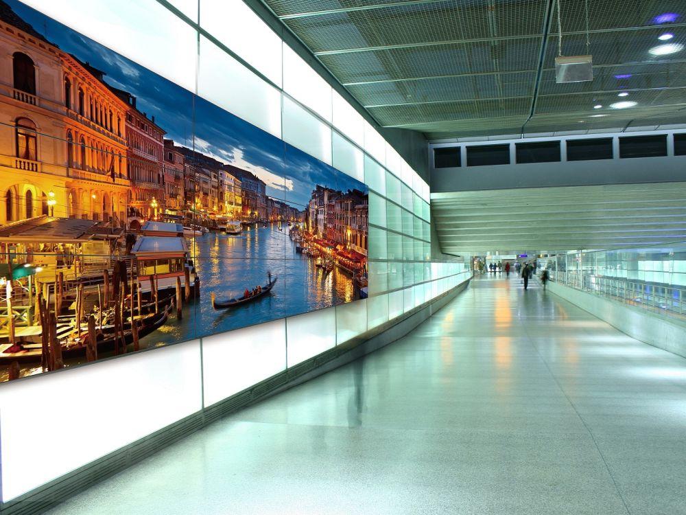 Panasonics neues Video Wall Display TH-55LFV70 (Foto: Panasonic)