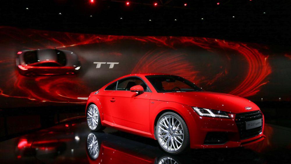Roter und grauer TT (Foto: Audi/Stefan Bösl)