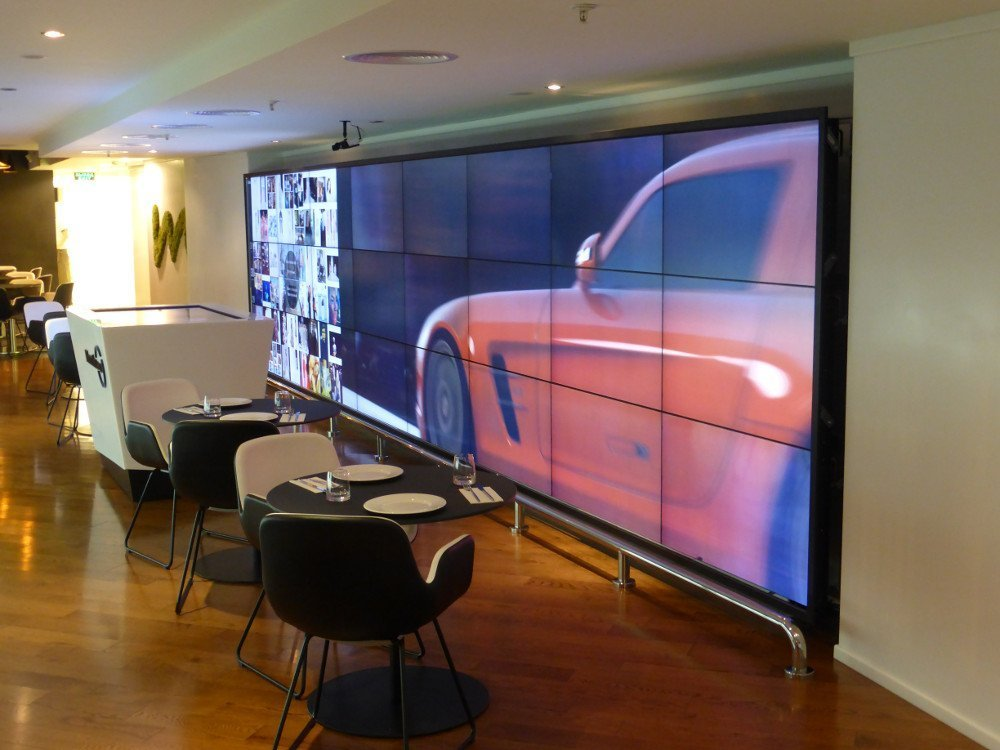 8x3 Media Wall protected by floor mounted steel fender (Photo: invidis)