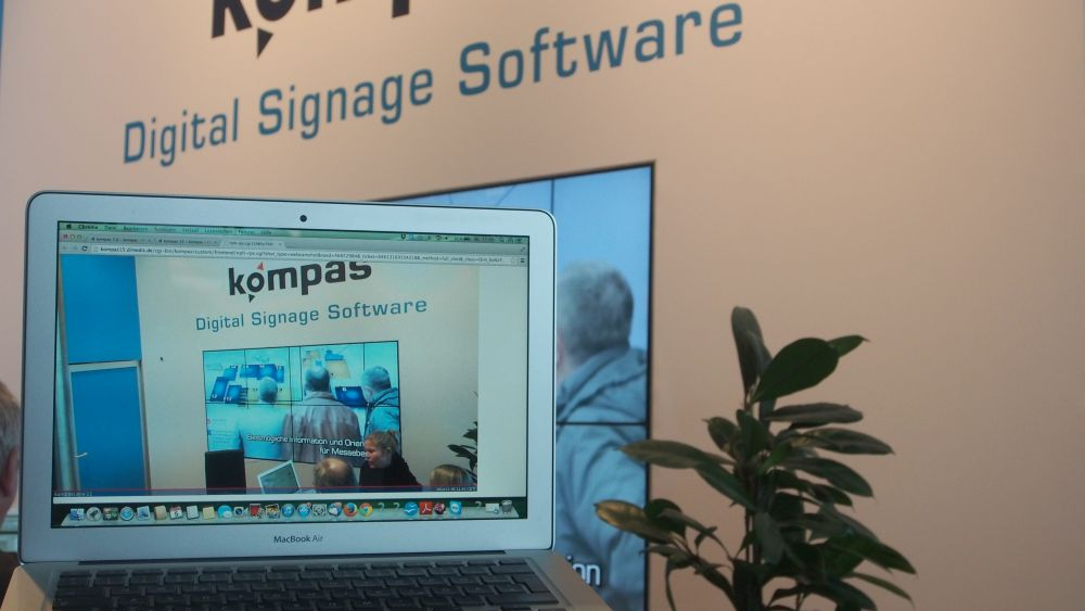 Dimedis Video Wall und Überprüfung durch installierte Kamera (Foto: invidis.de)