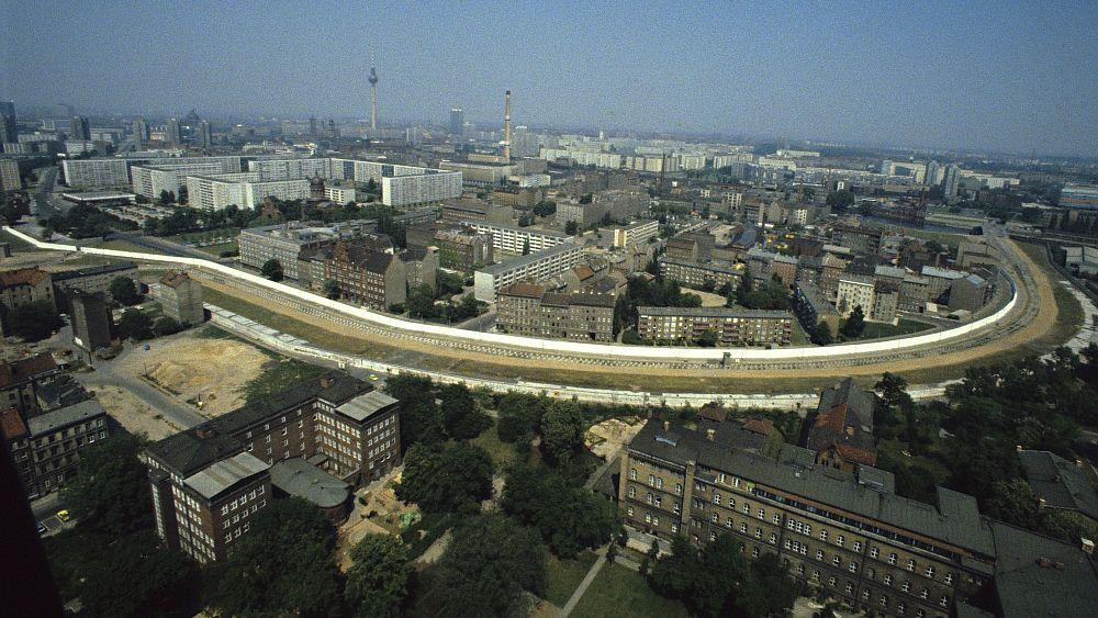 Historische Berliner Mauer in den 1980er Jaren (Foto: Archiv Bundesstiftung Aufarbeitung/ Fotobestand Harald Schmitt)