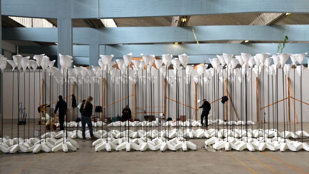 Vor der Installation: Leuchten der Lichtgrenze (Foto Antje Schröder)