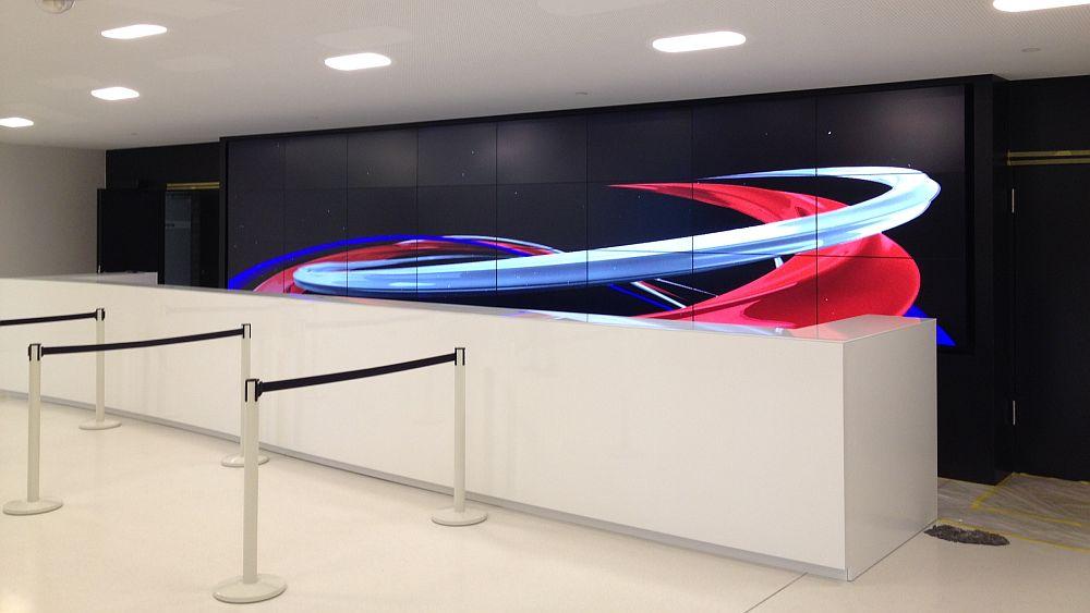 Geballte 24k: Video Wall im VIP Bereich (Foto: SAP Arena)